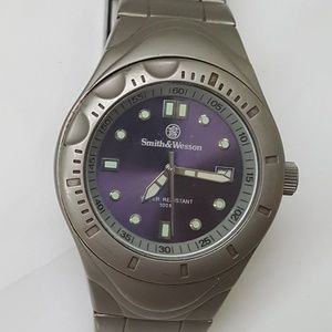 Other - Men Smith & Wesson military tritium watch